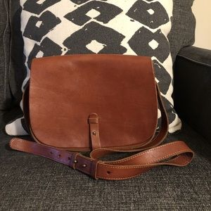 Lucky Brand the point saddle bag.